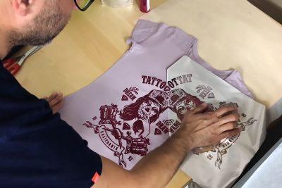 Personalizar camiseta con láminas foil para textil