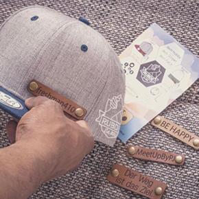 Etiquetas cuero grabado láser