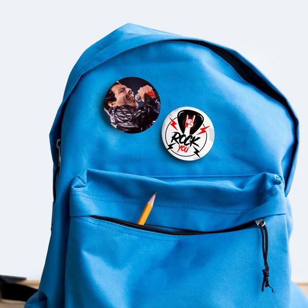 Chapas personalizadas para mochilas
