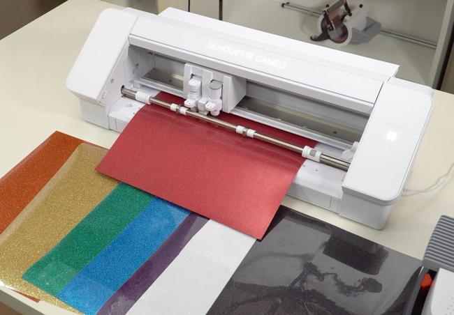 Plotter de corte y vinilo textil