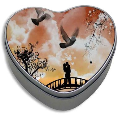 Caja de metal corazón con placa