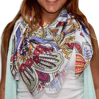 Pañuelo de tejido vaporoso de 100 x 100 cm