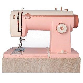 Stitch Happy Pink We R - Máquina de coser y sus agujas