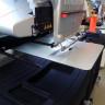 Mesa mediana para trabajos especiales en maquinas de bordar Amaya XT, XTS y Bravo - en funcionamiento