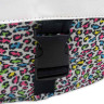 Mochilas con estampado multicolor - Detalle sistema de enganche solapa mochila grande