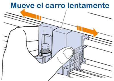 Precaución con el carro del portacuchillas